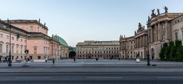 Unter den Linden (v.l.): Staatsoper Unter den Linden, St.-Hedwigs-Kathedrale, Bebelplatz, Hotel de Rome, Humboldt-Universität (Alte Bibliothek) Berlin