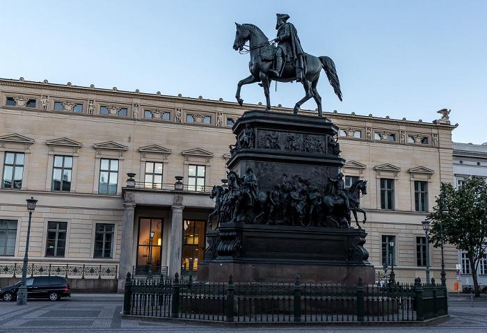 Unter den Linden: Reiterstandbild Friedrichs des Großen Berlin 2018