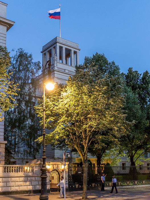Unter den Linden: Russische Botschaft Berlin