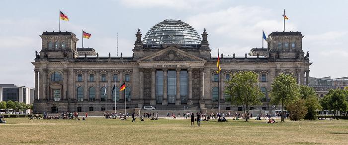 Platz der Republik, Reichstagsgebäude Berlin 2018