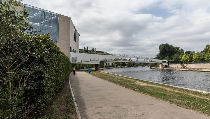 Bundeskanzleramt, Kanzlersteg, Spree Berlin