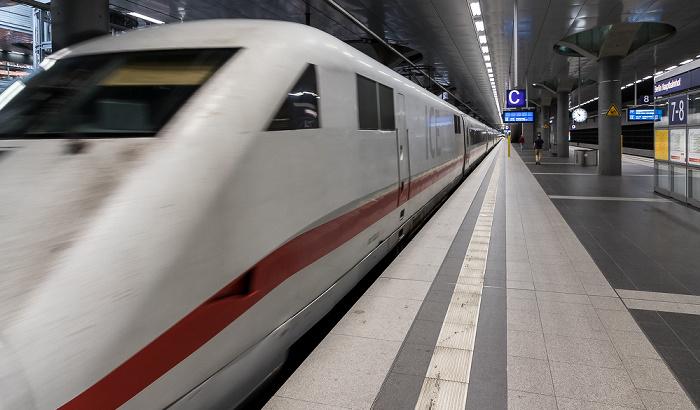 Hauptbahnhof: ICE Berlin - Hamburg Berlin