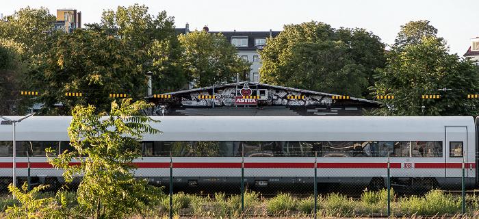 Blick vom Bahnhof Warschauer Straße: Ehem. Reichsbahnausbesserungswerk Berlin