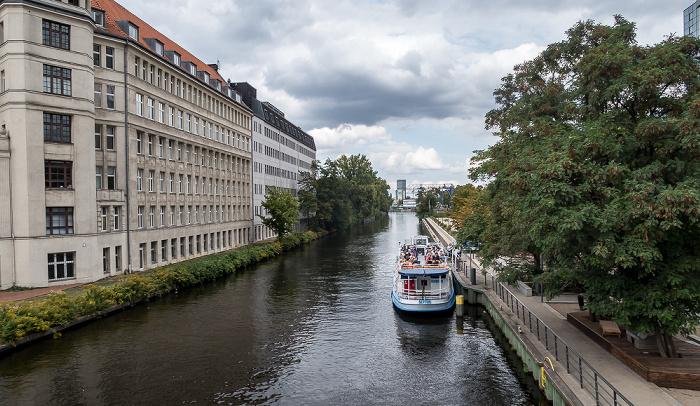 Neukölln (Blick von der Sonnenbrücke): Neuköllner Schifffahrtskanal (Neuköllner Verbindungskanal) Berlin