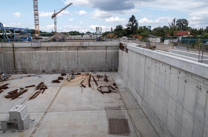 Neukölln: Blick von der Margarete-Kubicka-Brücke auf die Baustelle der Bundesautobahn A 100 Berlin