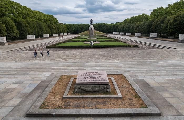 Alt-Treptow: Sowjetisches Ehrenmal im Treptower Park Berlin 2018
