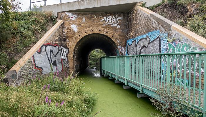 Plänterwald: Unterführung unter der Bahnstrecke Berlin - Görlitz, Heidekampgraben Berlin