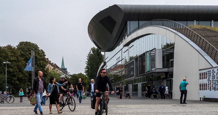Prenzlauer Berg: Friedrich-Ludwig-Jahn-Sportpark mit Max-Schmeling-Halle Berlin
