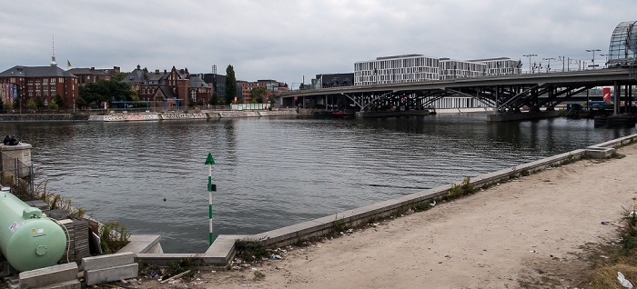 Berlin Humboldthafen Humboldthafenbrücke
