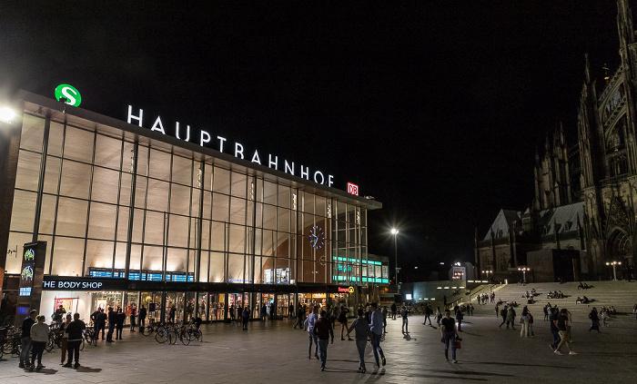 Bahnhofsvorplatz, Hauptbahnhof Köln 2018