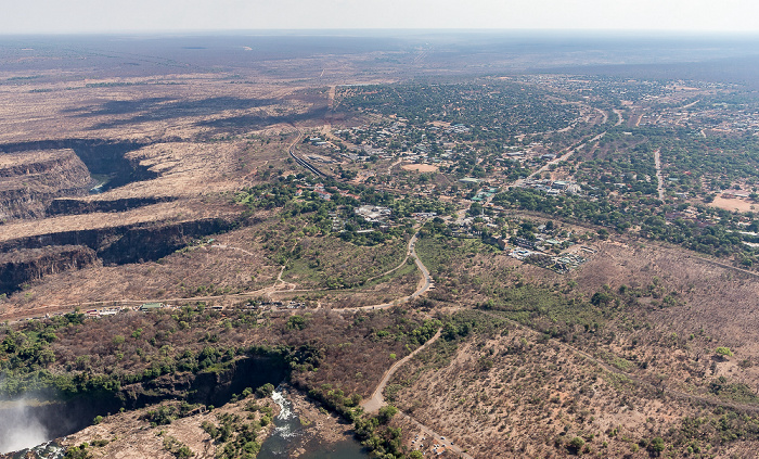 Victoria Falls Blick aus dem Hubschrauber: Sambesi, Matabeleland North Province (Simbabwe) Luftbild aerial photo