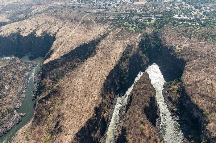 Victoria Falls Blick aus dem Hubschrauber: Sambesi Luftbild aerial photo