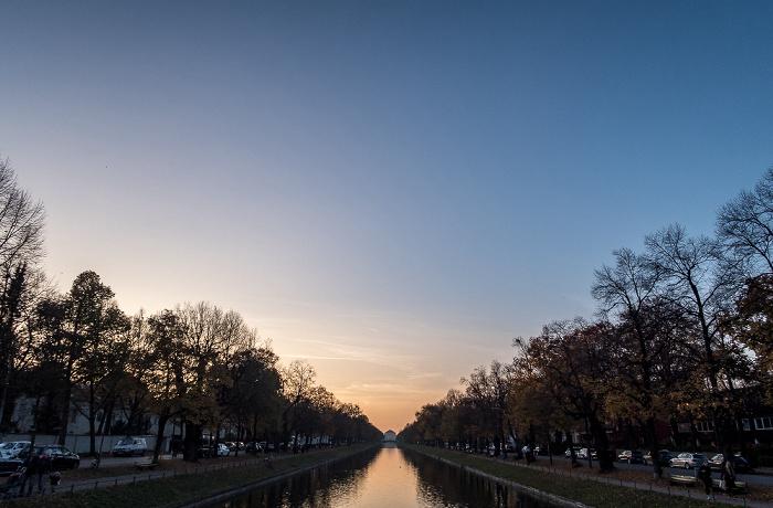 Blick von der Gerner Brücke: Nymphenburger Kanal München