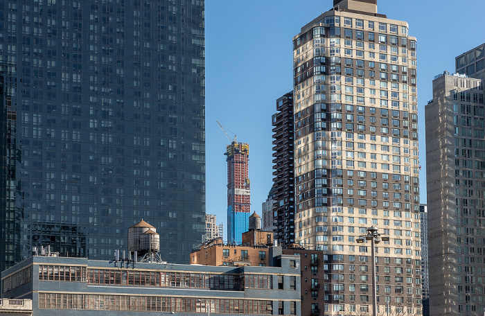 Hell's Kitchen: One MiMA Tower (links), 420 West 42nd Street (rechts) New York City