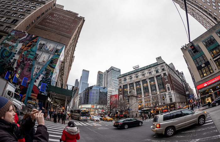 6th Avenue (Avenue of the Americas) / West 35th Street / Herald Square New York City