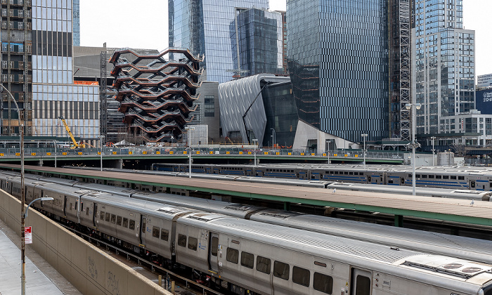 New York City Blick vom High Line Park: Chelsea - West Side Yard Hudson Yards Vessel (Hudson Yards Staircase)