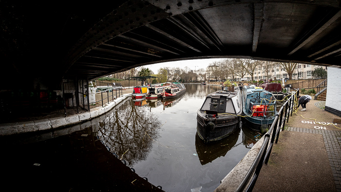 London Little Venice: Grand Union Canal, Browning's Pool Westbourne Terrace Road Bridge