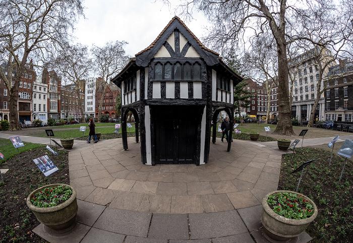 London Soho: Soho Square