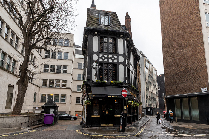 Mayfair: Bruton Street - Coach & Horses London