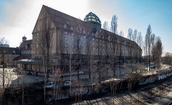 Blick von der Donnersbergerbrücke: Hauptzollamt München