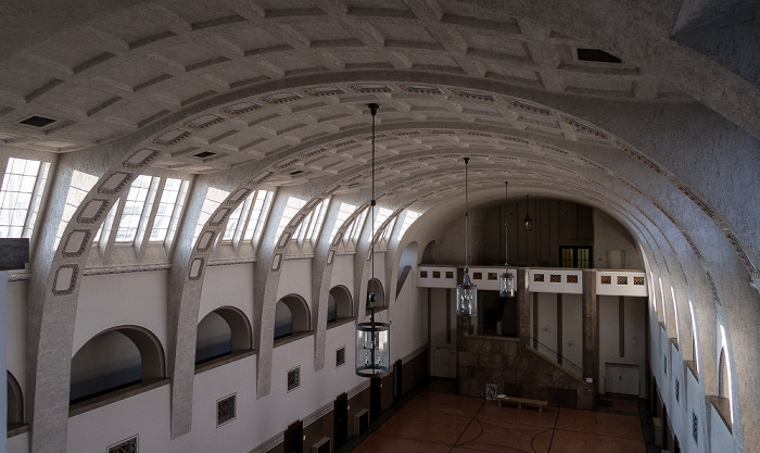 Hauptzollamt: Eingangshalle (Schalterhalle) München