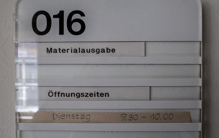 Hauptzollamt: Materialausgabe München
