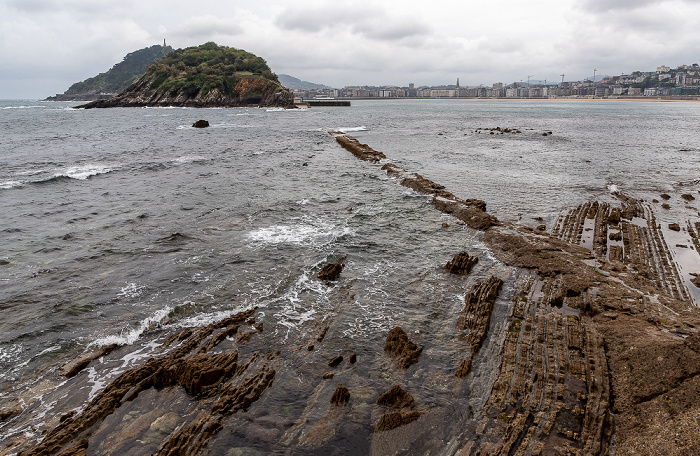 Donostia-San Sebastián Bahía de La Concha: Playa de La Concha Isla de Santa Clara Monte Urgull
