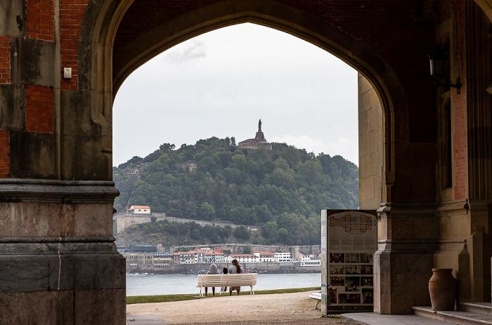 Donostia-San Sebastián Palacio de Miramar Monte Urgull Monumento al Sagrado Corazón de Jesús