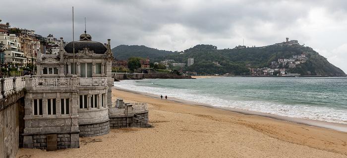 Donostia-San Sebastián Bahía de La Concha mit Playa de La Concha, Monte Igueldo La Perla