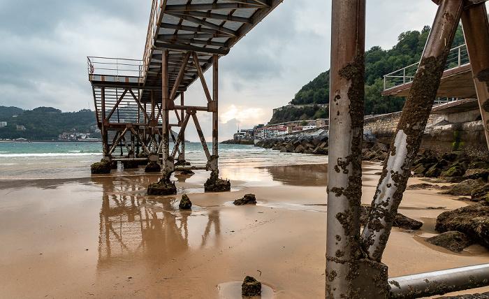 Donostia-San Sebastián Bahía de La Concha, Playa de La Concha, Pasarela de Náutico Isla de Santa Clara