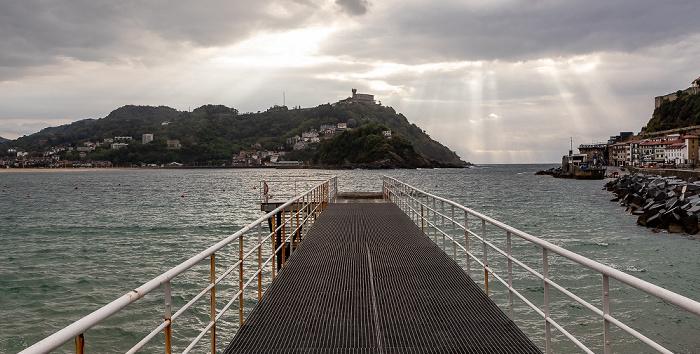 Donostia-San Sebastián Bahía de La Concha: Pasarela de Náutico Isla de Santa Clara Monte Igueldo