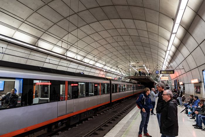 Estación de Zazpikaleak/Casco Viejo Bilbao