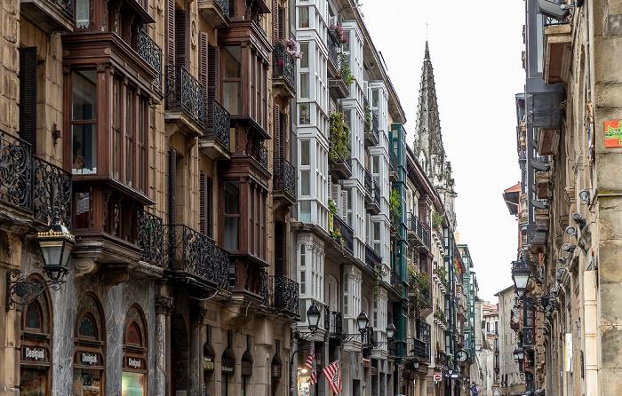 Casco Viejo: Calle Bidebarrieta (Bidebarrieta Kalea) Bilbao