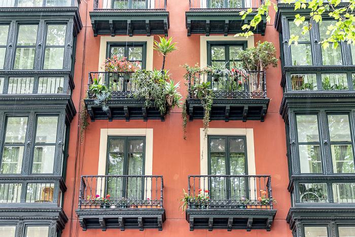 Bilbao Casco Viejo: Calle Viuda de Epalza (Epaltzaren Alargunaren Kalea)