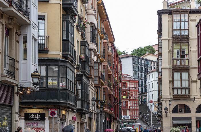 Casco Viejo: Calle de la Cruz (Gurutze Kalea) Bilbao
