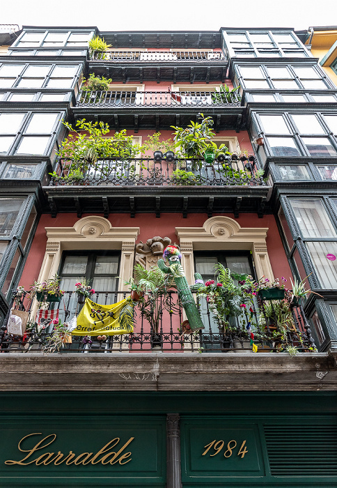 Casco Viejo: Calle de la Tendería (Dendarikale) Bilbao