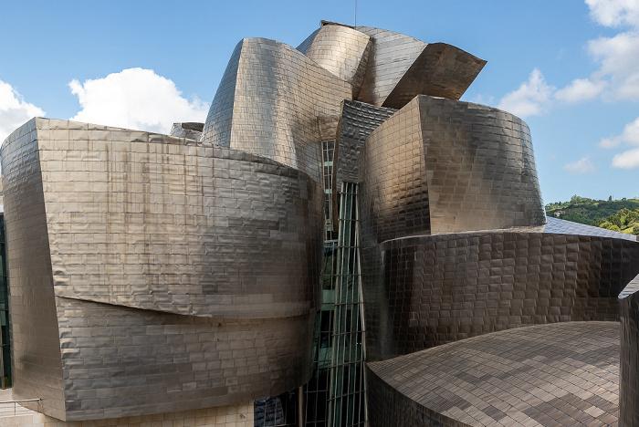 Blick von der Puente de La Salve: Guggenheim-Museum Bilbao Bilbao
