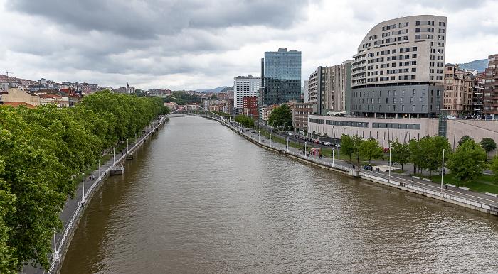 Blick von der Puente de La Salve: Uríbarri, Ría de Bilbao, Abando Bilbao