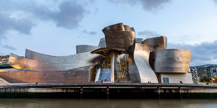 Abando mit Guggenheim-Museum Bilbao Bilbao