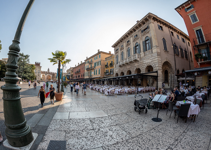Verona Centro Storico (Altstadt): Piazza Bra