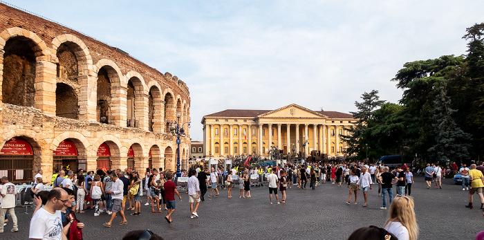 Centro Storico (Altstadt): Piazza Bra, Arena di Verona, Palazzo Barbieri Verona