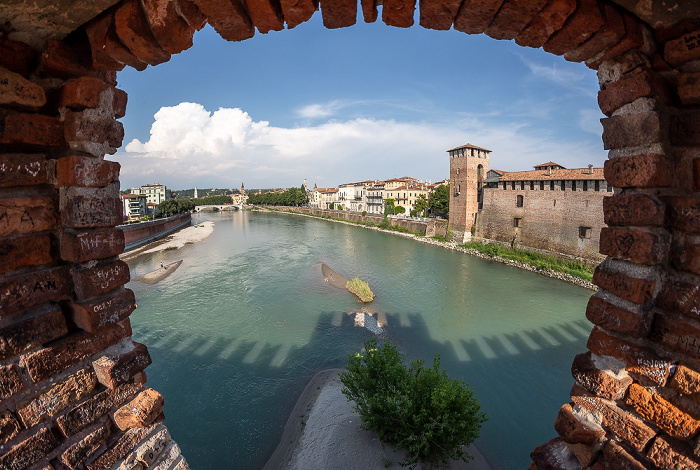 Centro Storico (Altstadt): Ponte Scaligero (Skaligerbrücke), Adige (Etsch), Castelvecchio Verona 2019