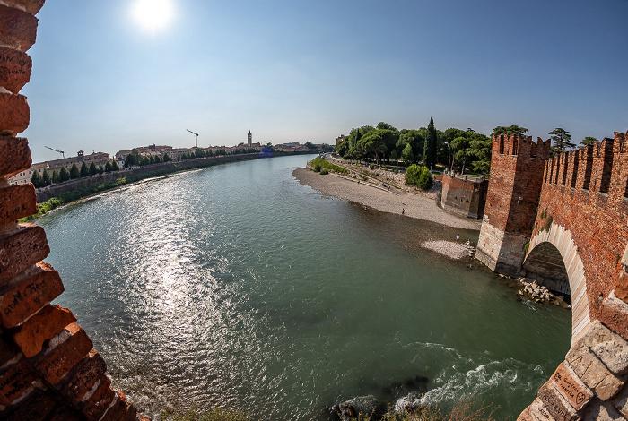 Centro Storico (Altstadt): Ponte Scaligero (Skaligerbrücke), Adige (Etsch) Verona