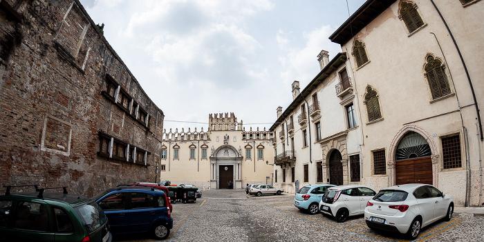 Centro Storico (Altstadt): Piazza Broilo Verona