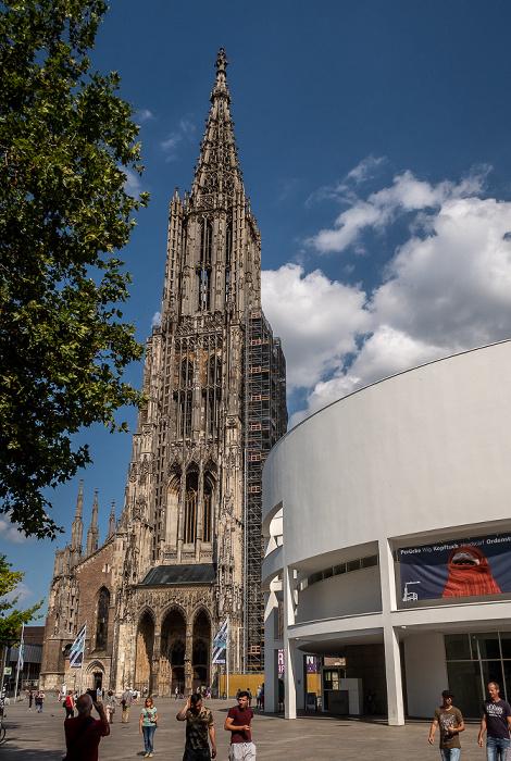 Münsterplatz: Ulmer Münster, Stadthaus Ulm