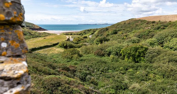 Blick von Manorbier Castle Manorbier Bay Manorbier Beach