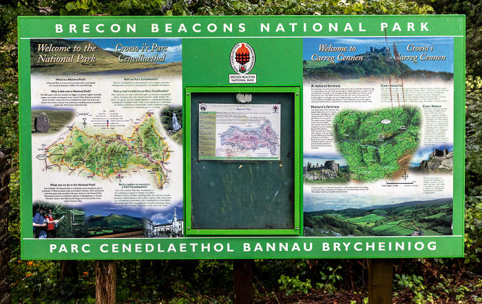 Brecon Beacons National Park Infotafel zu Carreg Cennen Castle