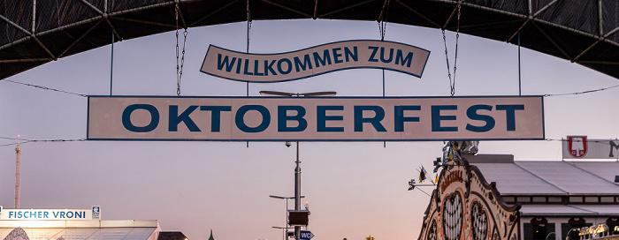 Theresienwiese: Eingang zum Oktoberfest München