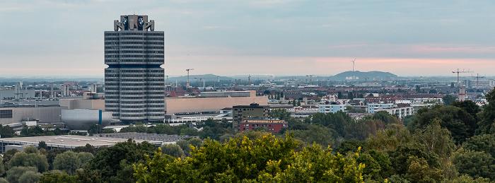 Blick vom Ollympiaberg: Olympiapark, BMW-Museum, BMW-Hochhaus, Milbertshofen-Am Hart München