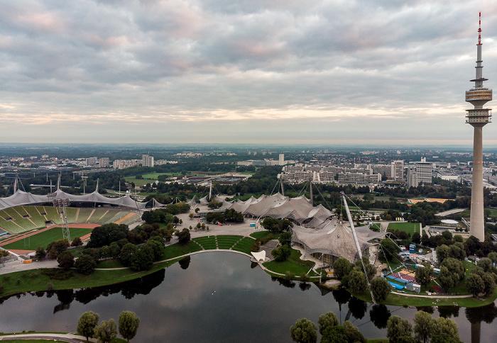 Olympiapark: Olympiasee, Olympiastadion, Coubertinplatz, Olympiahalle, Olympiaschwimmhalle, Olympisches Dorf und Olympiaturm München
